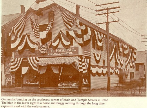Centennial bunting on the southwest corner of Main and Temple Streets in 1902.